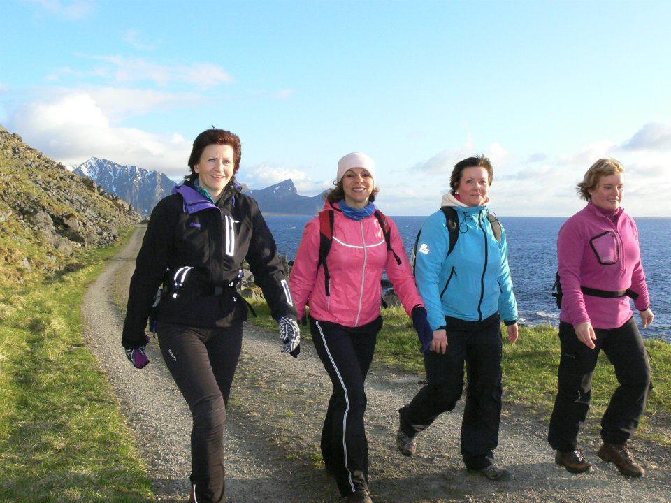 Jenter i Lofoten 2012